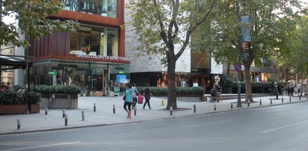 Bağdat Caddesi, ünlü mağazaların tercihi